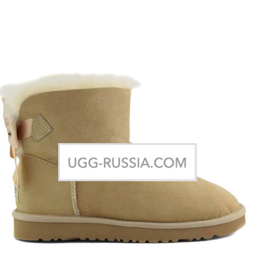 UGG Bailey Bow Mini Medallion Sand